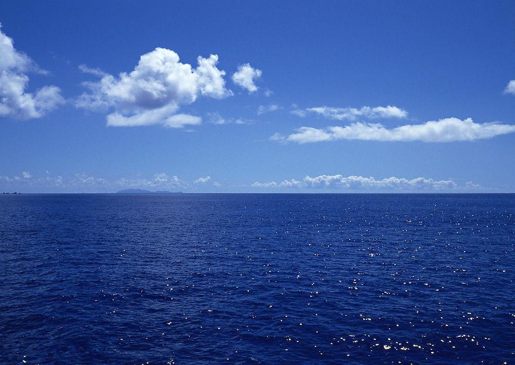 一望无际的大海好美